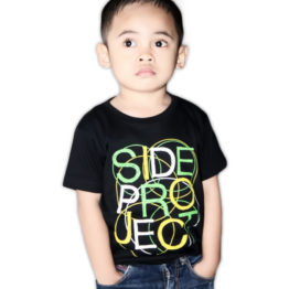 typo-kid-tshirt-black-model